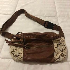 Handbags - Patent leather fanny pack